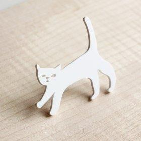 Брошь Кошка белая