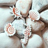 Брошь Hippocampus белая
